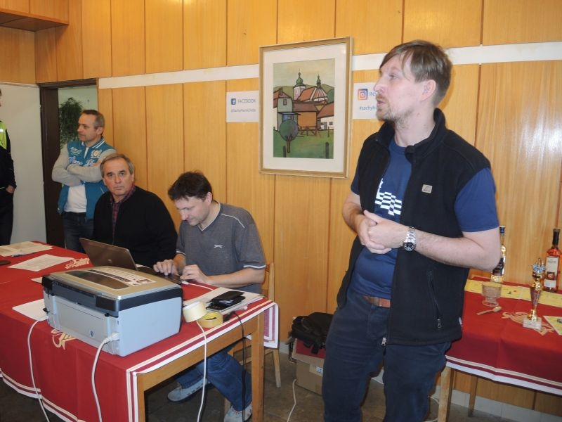 009 Aleš Hanus zahájil turnaj